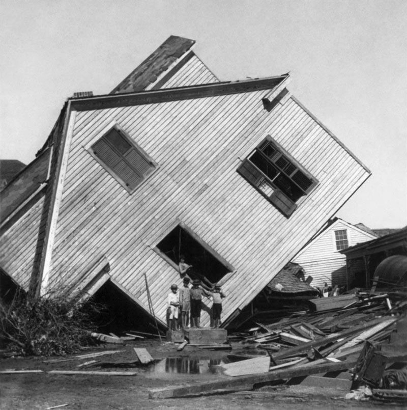Escala Beaufort. Destrozos por huracán
