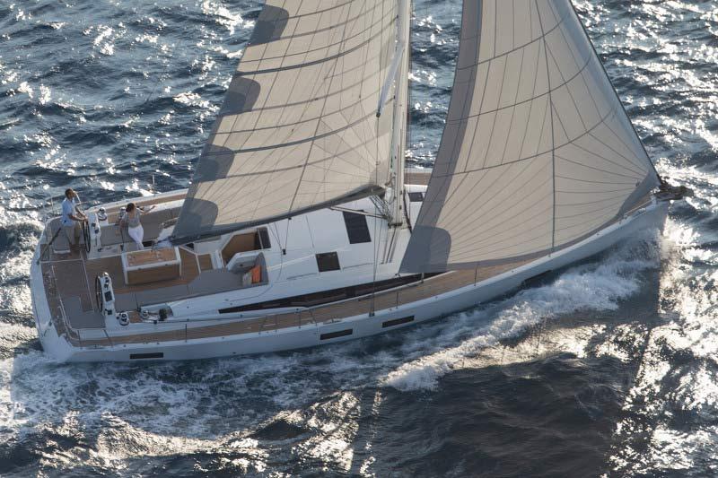 Jeanneau 54 nominado mejor barco del año