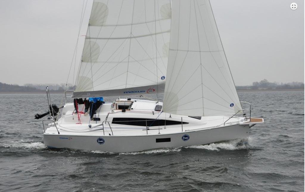 Maxus 26 nominado mejor barco del año