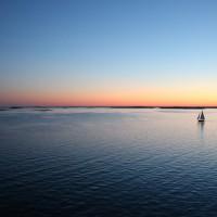 lejos en el mar