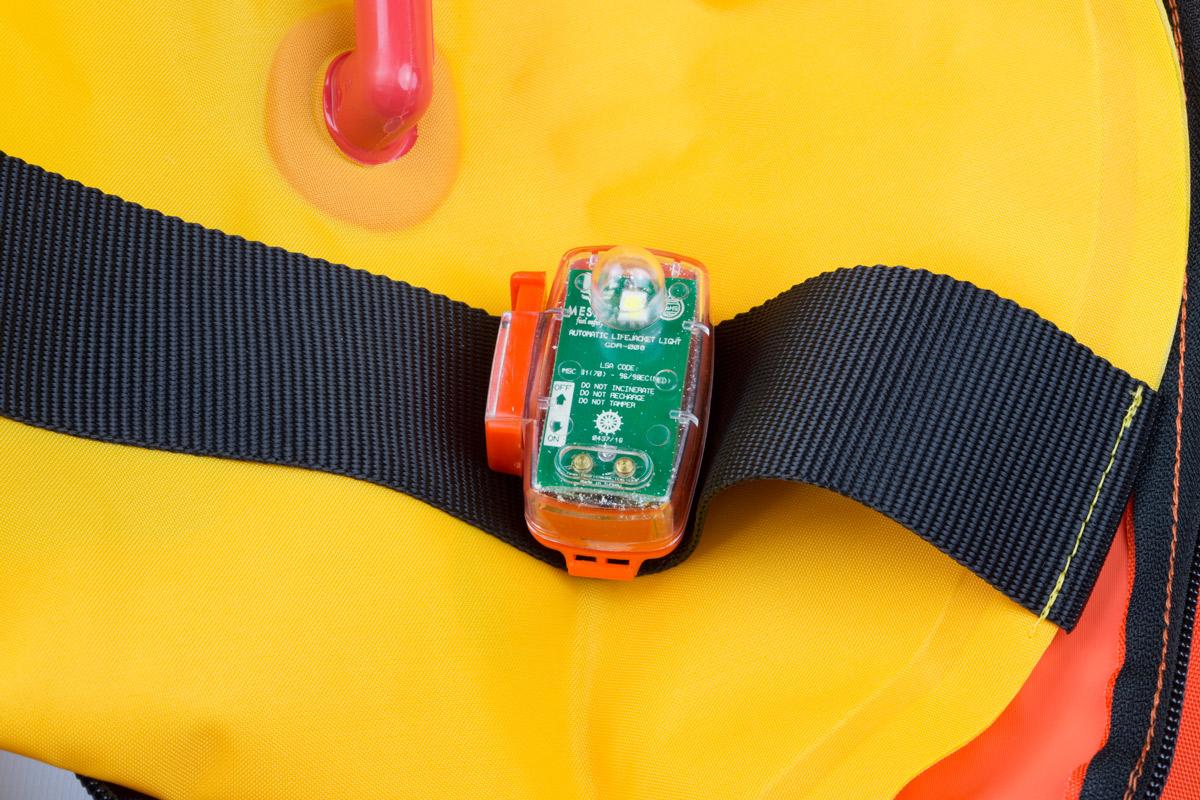 Luz automática para chaleco salvavidas