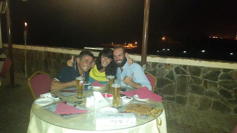 Nico Carlos y Ana felices