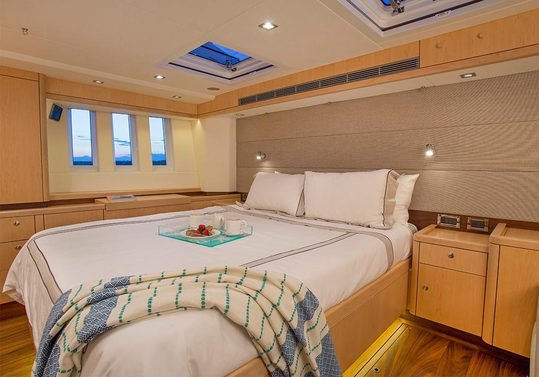 Oyster 745 interior