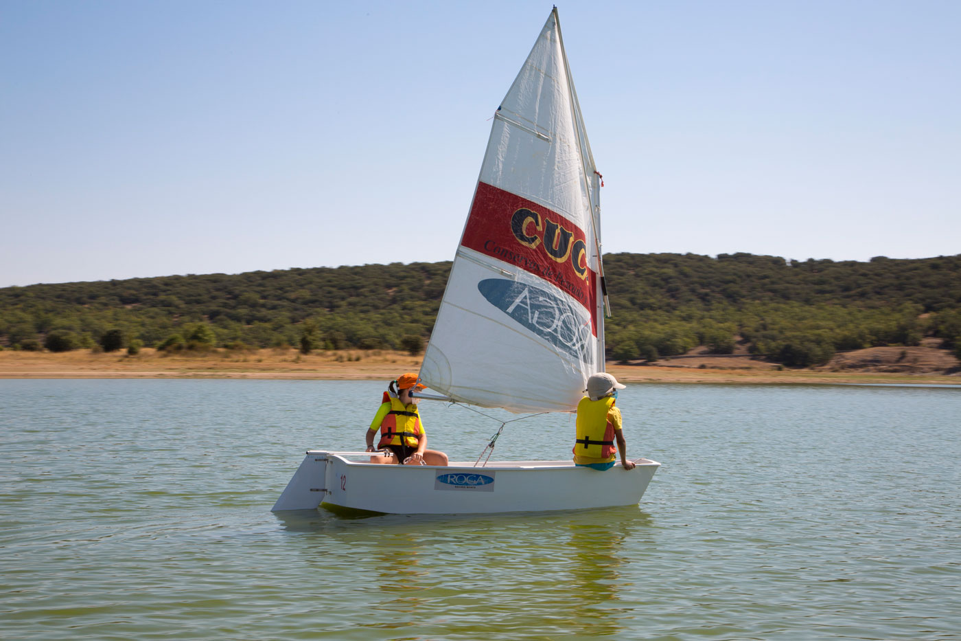 Aprender a navegar a vela en Madrid
